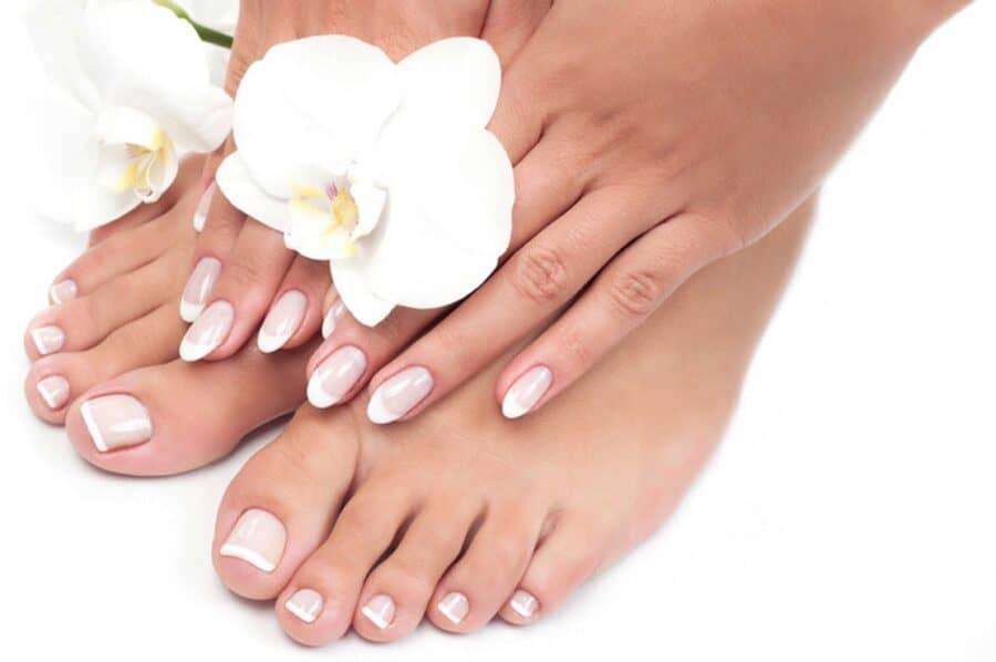 girls hand and feet